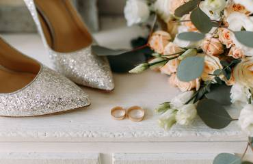 Silver-Heels-Rose-Gold-Rings-Flowers-1.jpg